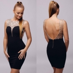 Must kivikestega kleit