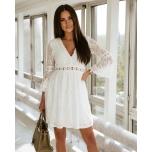Valge v-kaelusega kleit