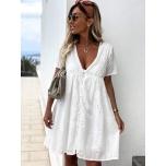 Valge vabalt langev kleit