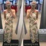 Beez lilledega pikk vööga kleit
