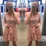 Roosa vabalt langev kahe satsiga kleit