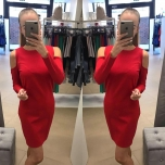 Punane pikavarrukaga kleit