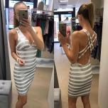 Valge hõbedaste litritega kleit