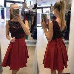 Punane ülevalt litrite ja lipsuga skater kleit