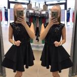 Must ülevalt litritega kleit