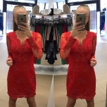 Punane pikavarrukaga pitsist kleit