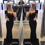Pikk lühikese varrukaga must kleit