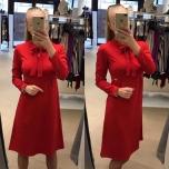 Punane A-lõikeline lipsuga kleit