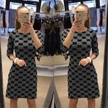 Must/halli kirju kleit